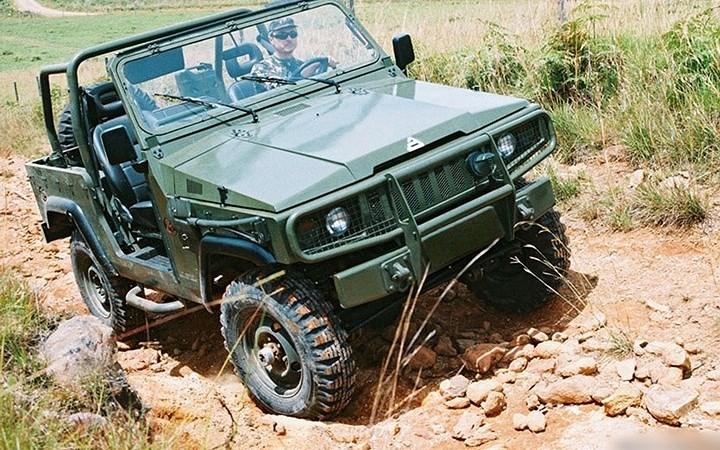 """Xe quân sự địa hình Agrale Marrua - đối thủ của UAZ """"thần thánh"""""""