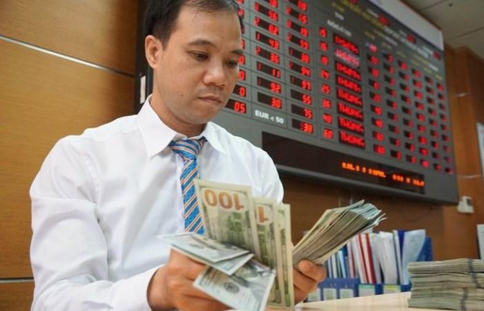 Kịch bản nào cho điều hành tỷ giá những tháng cuối năm?