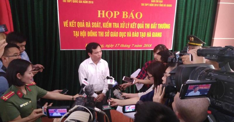 [Infographic] 114 thí sinh Hà Giang được gian lận nâng điểm ra sao?