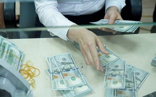 Nâng giá bán USD để phù hợp diễn biến của thị trường