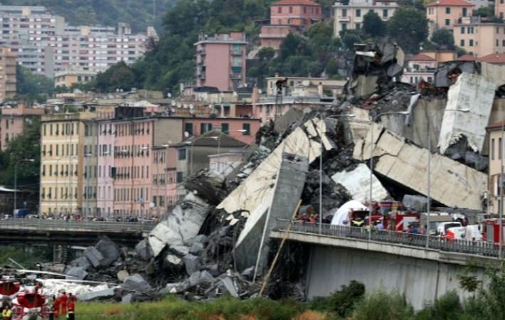 [Video] Vụ cầu sập ở Italy nhìn từ trên cao