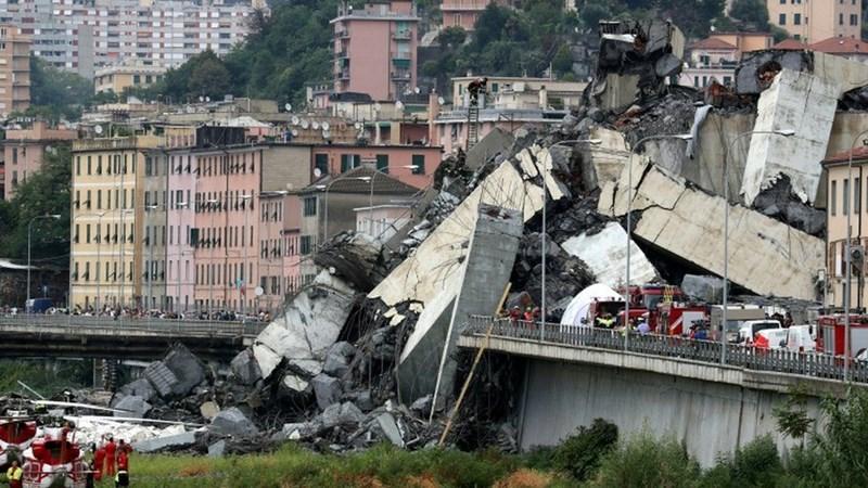 [Infographic] Tan hoang cảnh sập cầu cạn trên đường cao tốc, ít nhất 22 người thiệt mạng ở Italia
