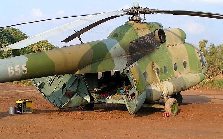 Khám phá máy bay trực thăng quân sự dã chiến Mil Mi-8 nổi tiếng của Nga