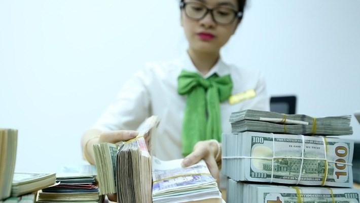 Việt Nam có thể tốn kém hơn khi FED tăng lãi suất, chiến tranh thương mại?