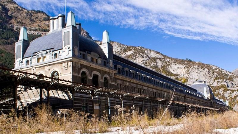 8 công trình kiến trúc kỳ vĩ bị bỏ hoang