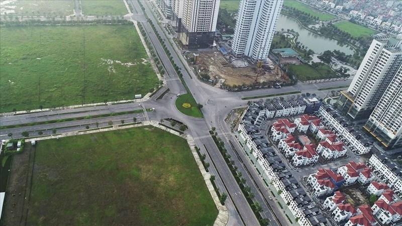 [Video] Đường 10 làn xe nối vành đai 2 và 3 tại Hà Nội