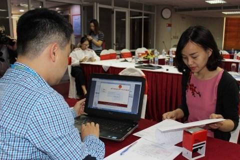 Tổ chức trả thu nhập quyết toán thuế cho cá nhân như thế nào?