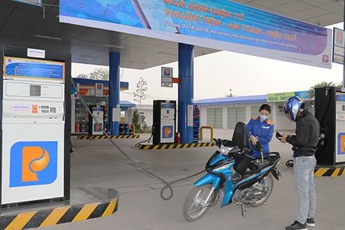Phú Thọ: Số thu thuế bảo vệ môi trường tăng sau dán tem xăng dầu