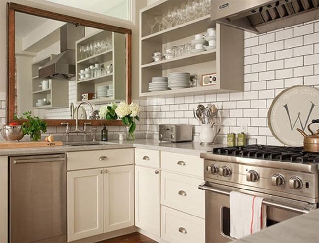Những bí quyết đơn giản giúp căn bếp nhỏ hẹp trở nên rộng thoáng - Ảnh 2