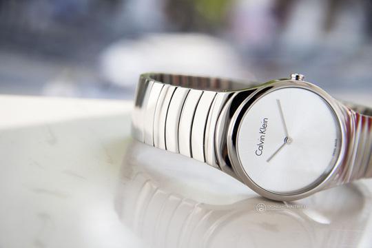 5 thương hiệu đồng hồ Thụy Sĩ bán chạy tại Việt Nam - Ảnh 3.