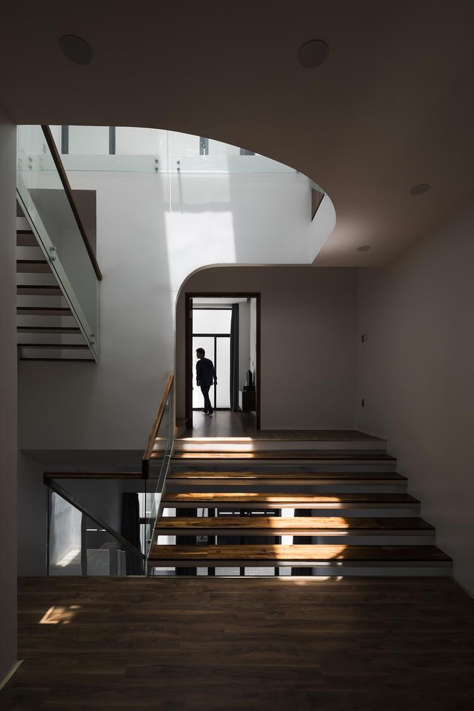 """Chiếc cầu thang """"níu chân"""" khách trong ngôi nhà Sài Gòn - Ảnh 8"""