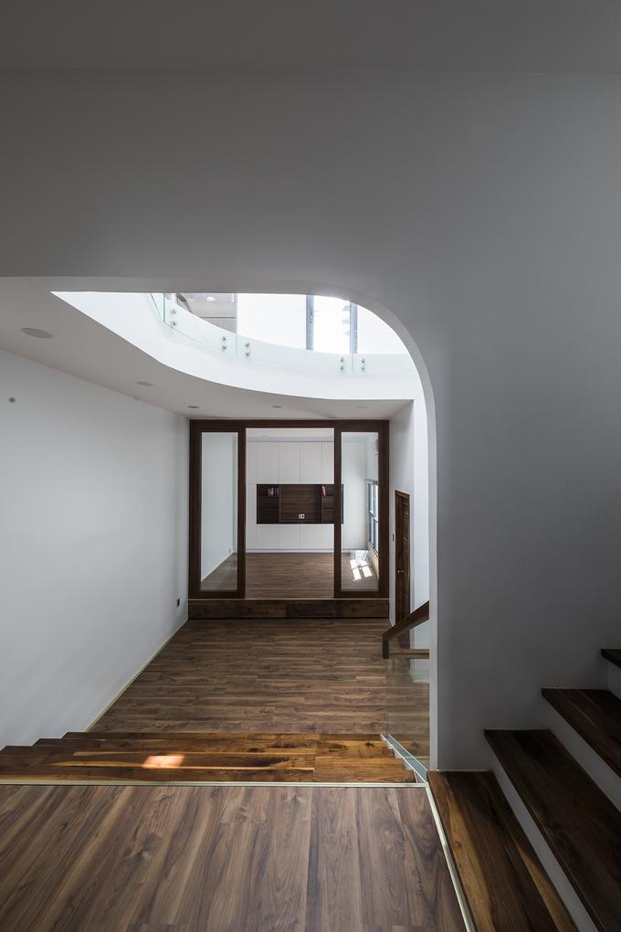 """Chiếc cầu thang """"níu chân"""" khách trong ngôi nhà Sài Gòn - Ảnh 11"""