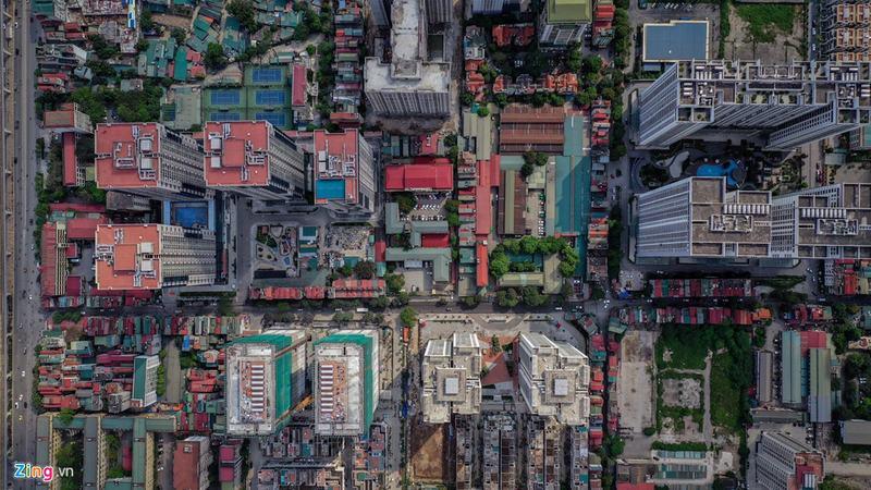 20 tòa chung cư chen chúc trên tuyến đường 720 m tại Hà Nội - Ảnh 2