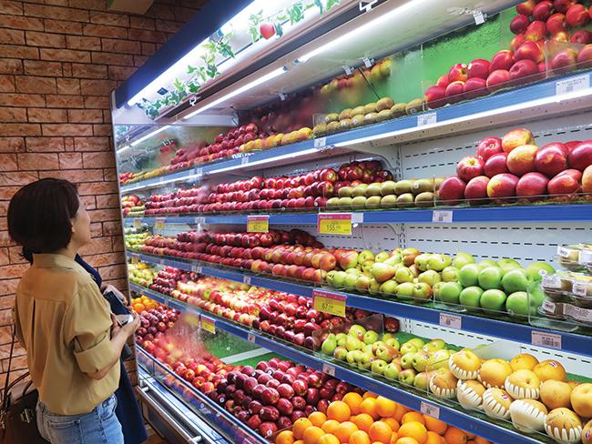 Ra ngõ gặp trái cây nhập khẩu - Ảnh 3