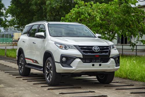 Những mẫu ô tô mới ra mắt thị trường Việt trong tháng 6/2019 - Ảnh 1