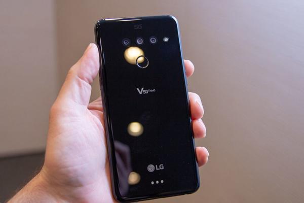 Smartphone 5G của LG gây ấn tượng với thời lượng pin dài 17 giờ 49 phút