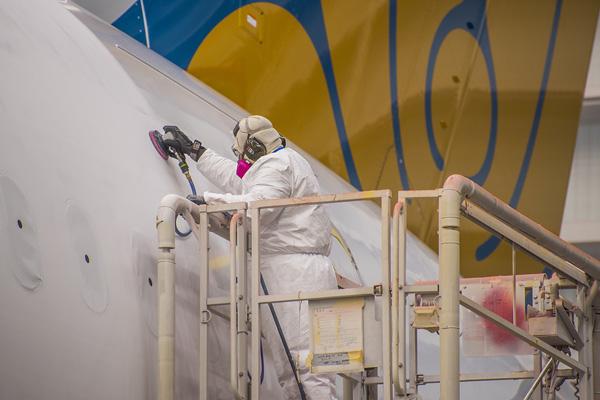 """Hé lộ ảnh những chiếc Boeing 787-10 đang được """"khoác áo"""" Vietnam Airlines - Ảnh 3"""