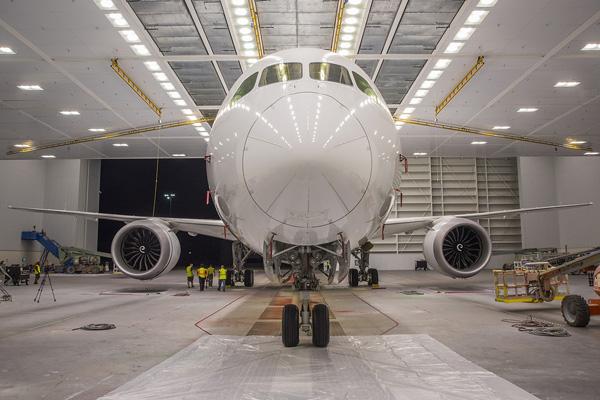 """Hé lộ ảnh những chiếc Boeing 787-10 đang được """"khoác áo"""" Vietnam Airlines - Ảnh 2"""