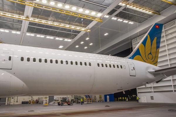 """Hé lộ ảnh những chiếc Boeing 787-10 đang được """"khoác áo"""" Vietnam Airlines - Ảnh 13"""