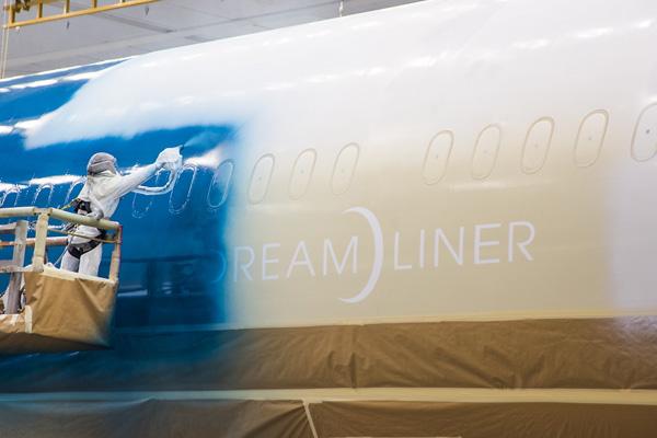 """Hé lộ ảnh những chiếc Boeing 787-10 đang được """"khoác áo"""" Vietnam Airlines - Ảnh 5"""