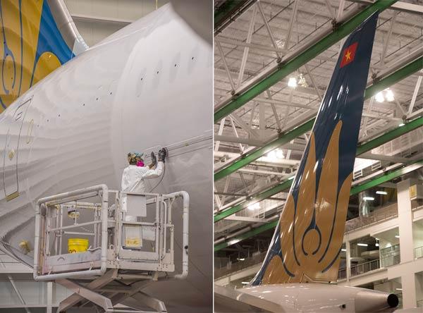 """Hé lộ ảnh những chiếc Boeing 787-10 đang được """"khoác áo"""" Vietnam Airlines - Ảnh 14"""