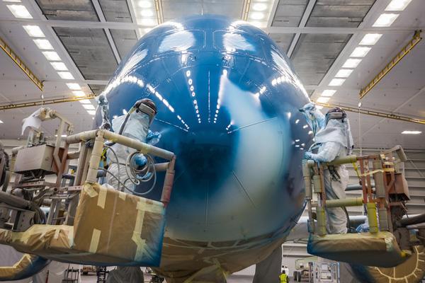 """Hé lộ ảnh những chiếc Boeing 787-10 đang được """"khoác áo"""" Vietnam Airlines - Ảnh 6"""