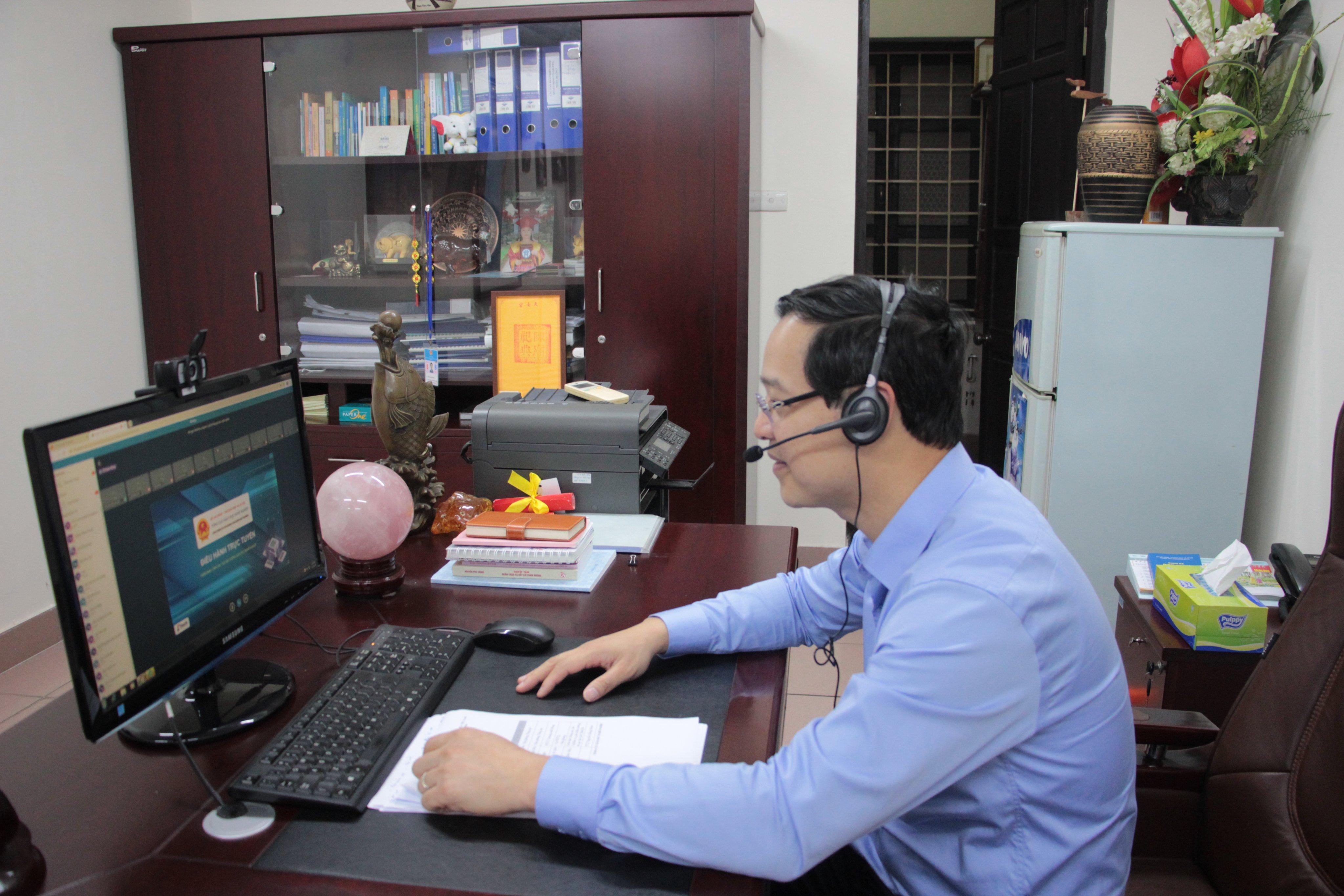 Phó Tổng Cục trưởng Tổng cục Giáo dục nghề nghiệp Trương Anh Dũng phát biểu tại Hội nghị trực tuyến.