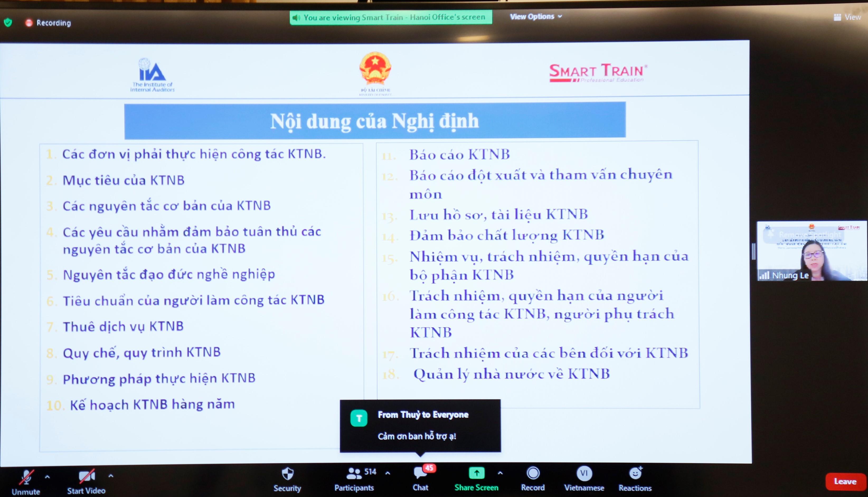 Bà Lê Thị Tuyết Nhung, Phó Cục Trưởng Cục Quản lý Giám sát kế toán và Kiểm toán trình bày về kiểm toán nội bộ trong khu vực công theo quy định của Nghị định số 05/2019/NĐ-CP.