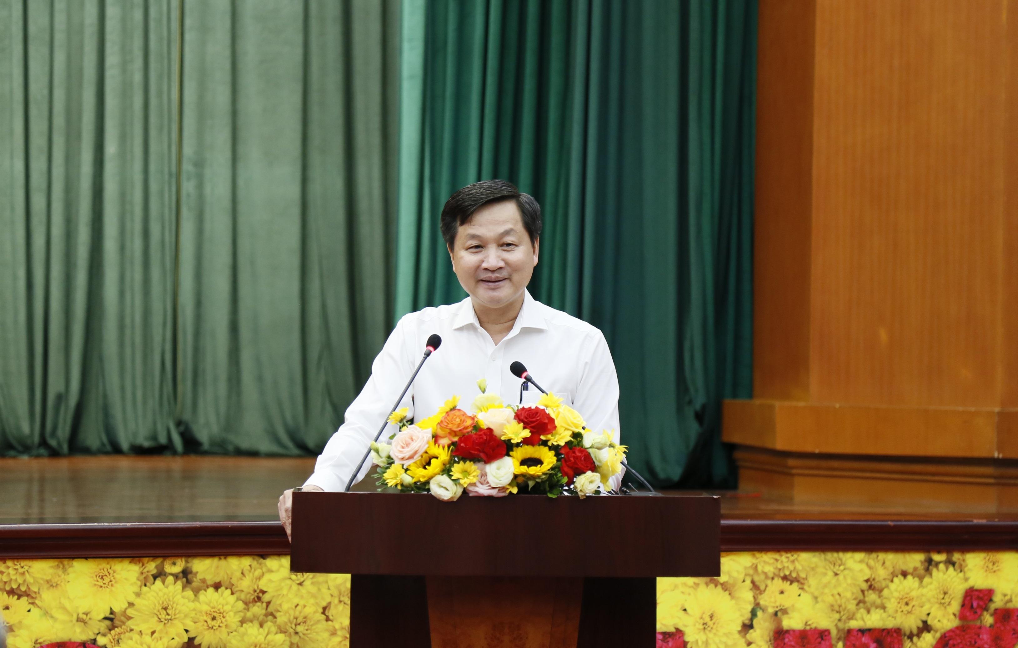 Phó Thủ tướng Chính phủ Lê Minh Khái phát biểu tại hội nghị.