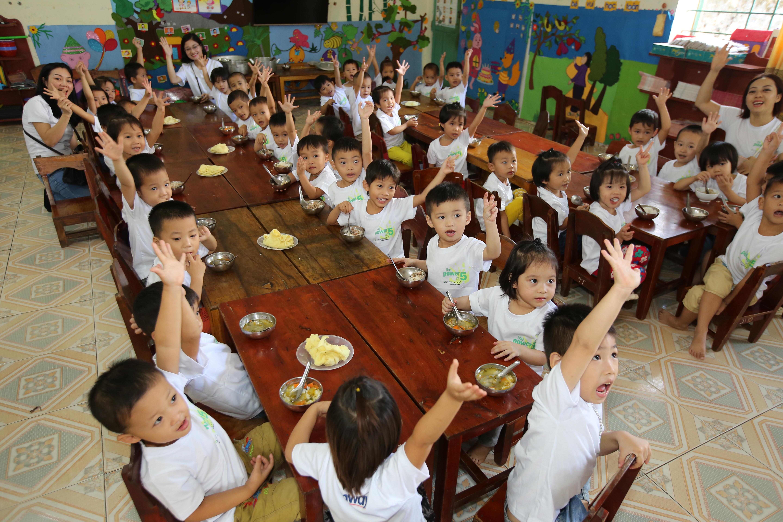 Dự án Nutrilite Power of 5 được Amway khởi xướng nhằm nâng cao nhận thức và cách đối phó đối với vấn đề suy dinh dưỡng ở trẻ em trên toàn cầu nói chung, ở Việt Nam nói riêng.