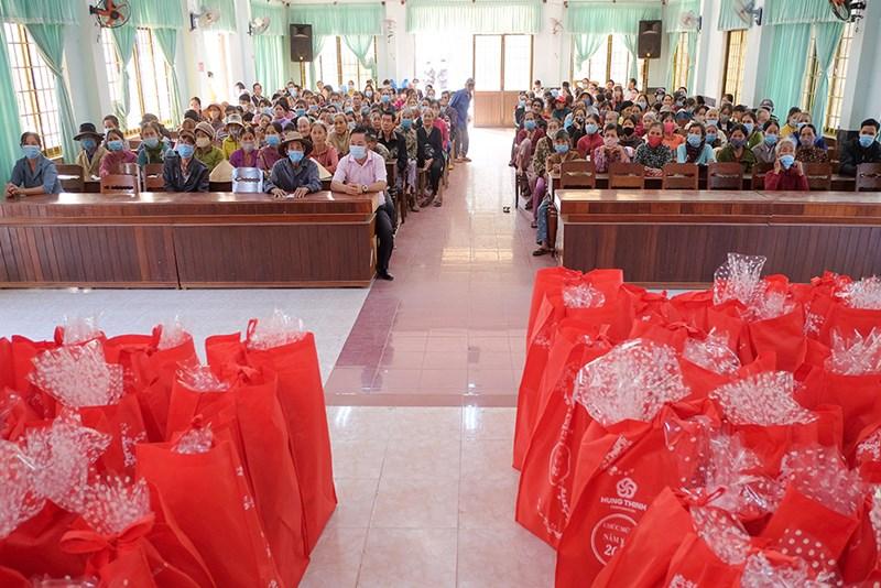 Những phần quà Tết của Tập đoàn Hưng Thịnh đã sẵn sàng gửi đến bà con thay cho lời chúc mừng năm mới ấm áp và an vui. Ảnh Tập đoàn Hưng Thịnh.