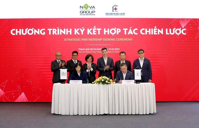 Nova Group ký kết hợp tác chiến lược với Bệnh viện Đại học Y Hà Nội. Ảnh Novaland