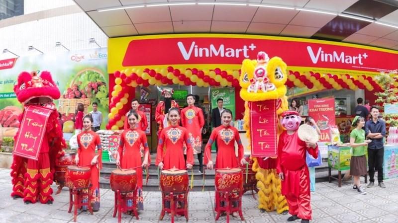 VinCommerce tiếp tục khẳng định vị trí dẫn đầu thị trường bán lẻ với 108 siêu thị VinMart và khoảng 1.900 cửa hàng tiện lợi VinMart+ trên toàn quốc. Ảnh VIN