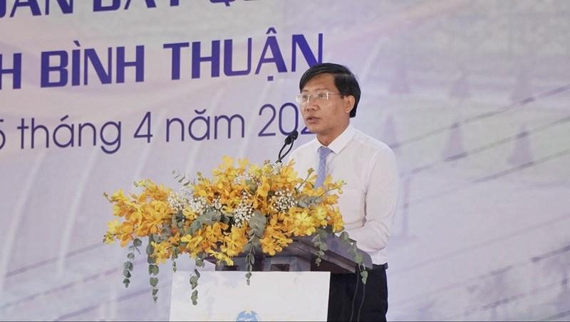 Ông Lê Tuấn Phong – Chủ tịch UBND tỉnh Bình Thuận phát biểu tại Lễ chuẩn bị mặt bằng và triển khai xây dựng sân bay Phan Thiết ngày 5/4. Ảnh Novaland