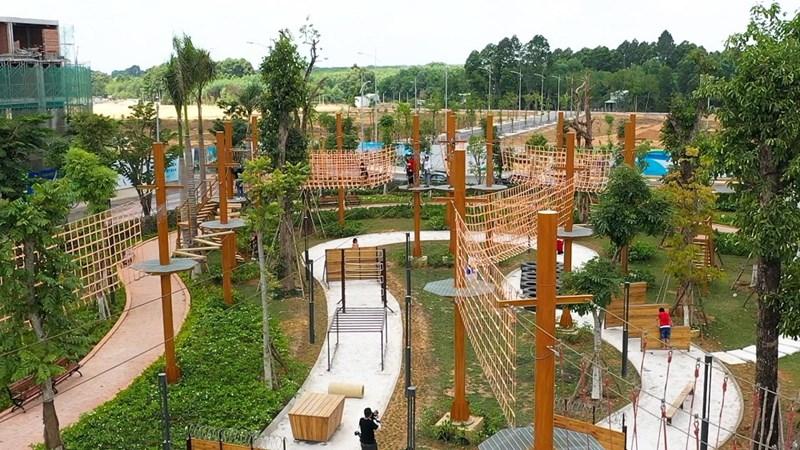 Adventure Forest - tổ hợp 26 trò chơi vận động liên hoàn tại công viên Gem Sky Park. Ảnh: DXG