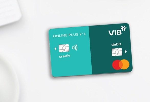 Thẻ Online Plus 2in1 của VIB tích hợp hai thẻ tín dụng và thanh toán trên cùng một th. Ảnh VIB