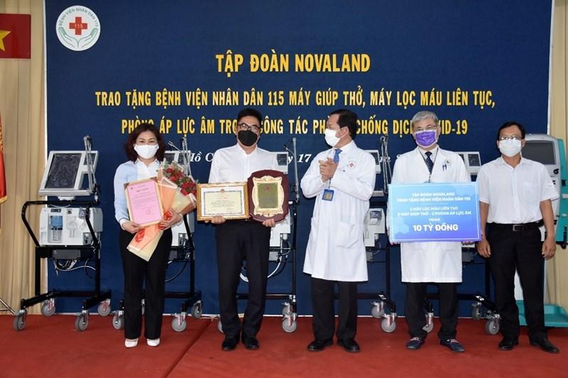 Tập đoàn Novaland tích cực tham gia đồng hành trong công tác phòng chống dịch bệnh covid-1. Ảnh NVL