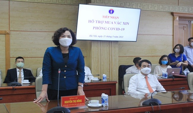 Bà Nguyễn Thị Hồng - Thống đốc Ngân hàng Nhà nước Việt Nam phát biểu tại buổi lễ, đánh giá cao sự đóng góp của các Ngân hàng và Tập đoàn tư nhân. Ảnh: Phú Long