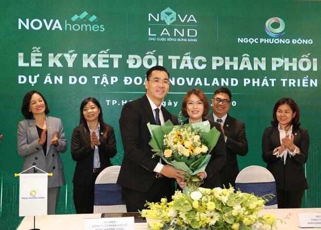 Lễ ký kết giữa Novaland và các vị phân phối các sản phẩm BĐS Novaland. Ảnh NVL