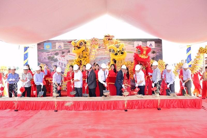 Lễ khởi công xây dựng Trung Tâm Thương mại Nam Phan Thiết. Ảnh HQC