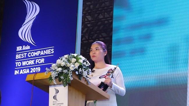 Bà Trần Thị Mỹ Hạnh - Phó TGĐ Tập đoàn Sun Group phát biểu tại Lễ trao giải. Ảnh Sungroup