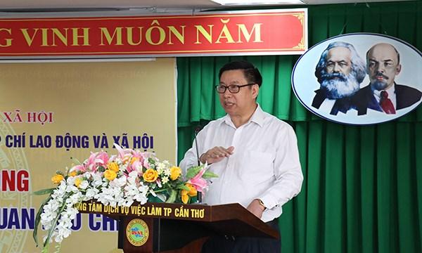 Ông Lê Quang Trung, Phó Cục trưởng phụ trách Cục Việc làm phát biểu tại hội nghị. Ảnh TS