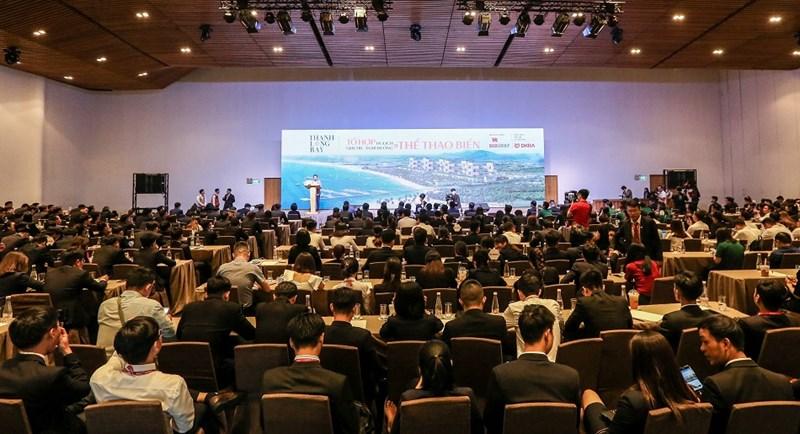 Toàn cảnh Lễ ký kết hợp tác Tổng đại lý tiếp thị & phân phối dự án Thanh Long Bay giữa Tập đoàn Nam Group và DKRA Vietnam.Ảnh DH