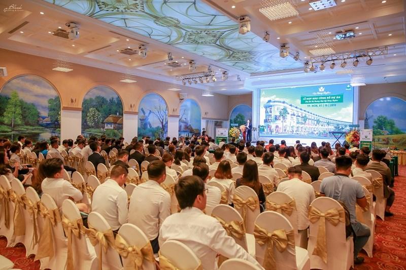 Toàn cảnh buổi lễ công bố mở bán dự án. ảnh Cẩm Nhung
