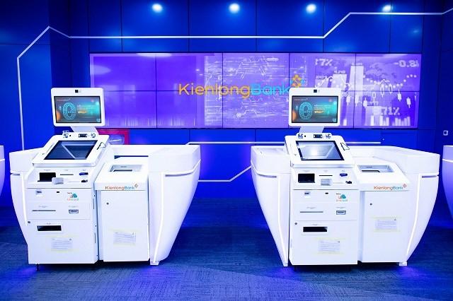 Hệ thống máy STM thông minh được trang bị tại các văn phòng 5 sao tại Kienlongbank. Ảnh: KLB.