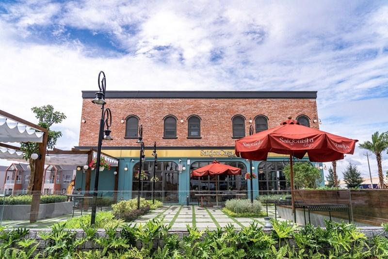 Tháng 10/2020, Saigon Casa Café đã được khai trương tại shophouse mặt tiền đường ven biển. Ảnh NVL