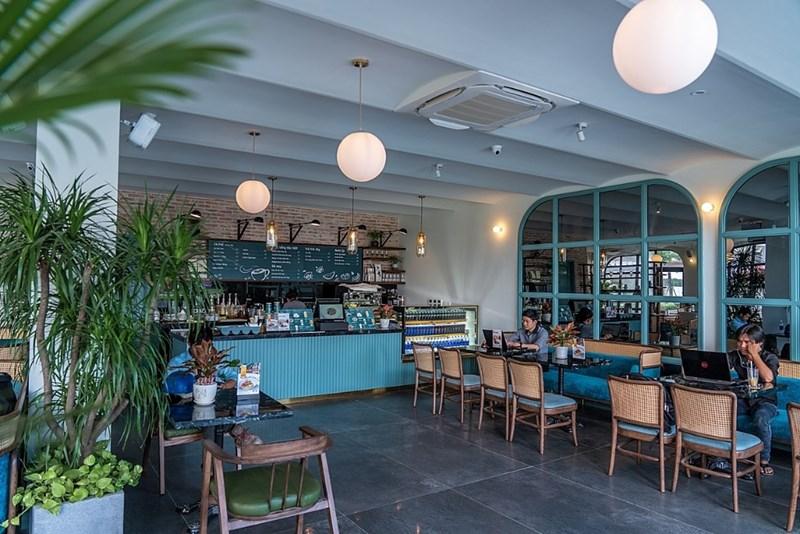 Saigon Casa Café khai trương tháng 9/2020, trở thành điểm dừng chân của du khách và người dân địa phương tại Hồ Tràm. Ảnh Novaland