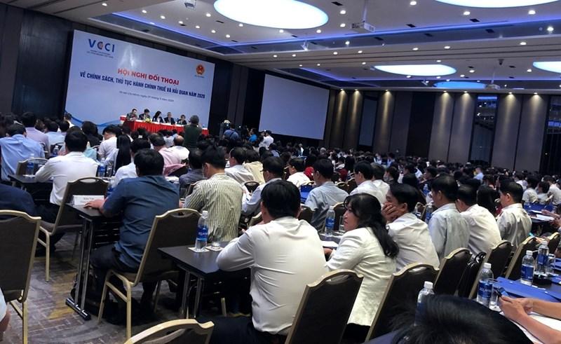 Toàn cảnh Hội nghị Hội nghị đối thoại về chính sách, thủ tục hành chính thuế, hải quan năm 2020. Ảnh: Thanh Sơn