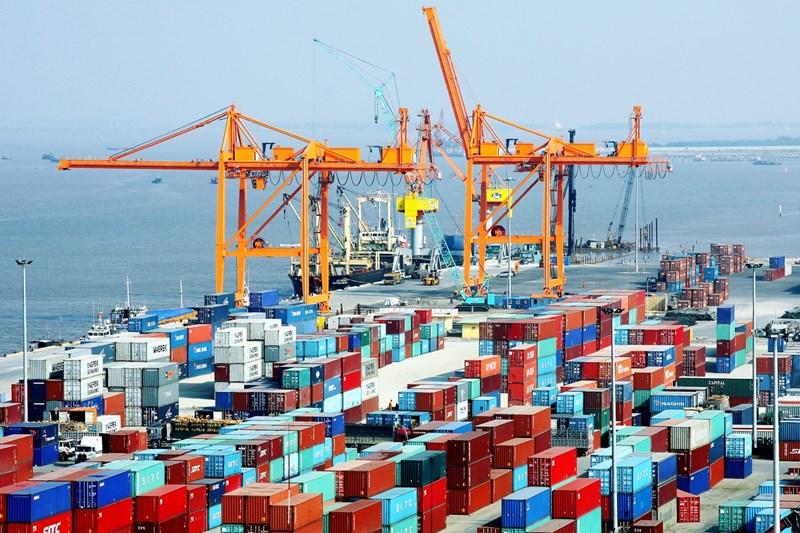 Các yếu tổ tác động tới thị trường vận tải container quốc tế đường biển ở