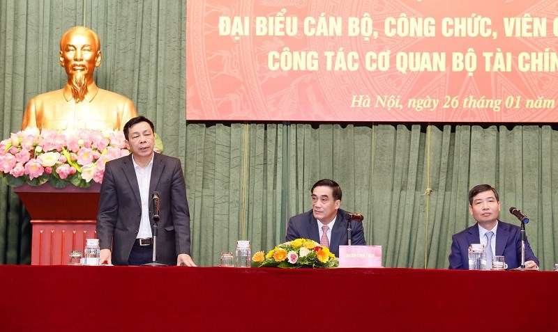Đoàn chủ tịch điều hành Hội nghị đại biểu cán bộ, công chức, viên chức và tổng kết công tác cơ quan Bộ Tài chính năm 2020.